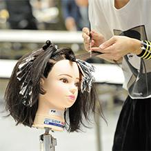 専門性の高いカリキュラム 大村美容ファッション専門学校